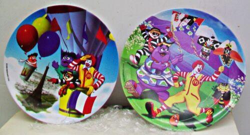 "2 Ronald McDonald Childrens Dinner Plates 9"" Melamine 2000 Clown Baloons Kites"