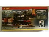 Hornby R1126 Mixed Freight Digital Train Set