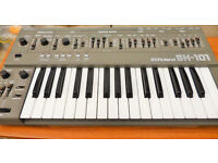 Roland SH-101 Monophonic Synthesiser