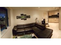 MUST VIEW !! SE16 - PENTHOUSE 3 DOUBLE BEDROOM FLAT !! TOP FLOOR !! AVAILABLE MID JANUARY