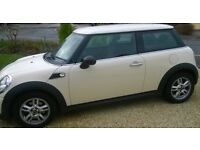 2010 Mini 1.6 Manual Beautiful Pepper White Immaculate HPI clear Only 28000 miles Fully Loaded