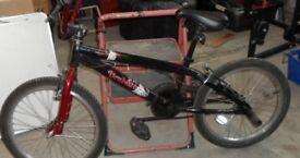 """Boys Mountain Bike - Halfords Apollo 20"""" wheels. Red/black."""