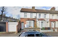 3 BEDROOM HOUSE available now in BARKING/ILFORD **MASSIVE GARDEN**