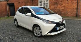 image for Toyota AYGO X-Play 1.0 VVTI Petrol 2015 5 door *1 Year Warranty* Low Mileage 23k *ULEZ Free