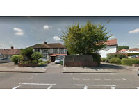 Furnished 2 bed flat on ground floor available in Welsh Harp, Housing Benefit and DSS accepted.