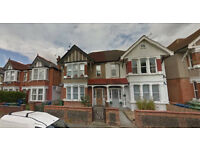 Lovely studio flat on the second floor available in Headstone South, HB and DSS accepted.