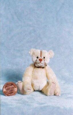 Emily Farmer - MUZZLE BEAR KIT - Miniature to sew