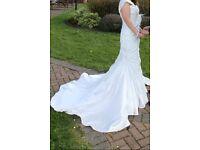 Lovely Maggie Sottero Kristin Diamond White Wedding Dress For Sale Size 8 £500 ono