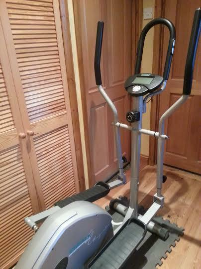 cross trainer for sale excellent condition in canary. Black Bedroom Furniture Sets. Home Design Ideas