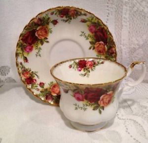 Royal Albert ENGLAND Old Country Rose tea cup and saucer