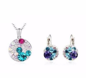 MEK Necklace Pendant Set Made with  Swarovski Crystal Elements Springvale South Greater Dandenong Preview
