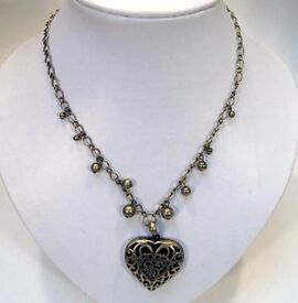 NEW Ladies Jewellery Antique Gold Chain And Beads Necklace With Heart Pendant