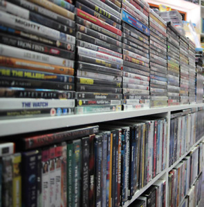1000 Dvd's Movies and 50 XBOX360 Games (Used)