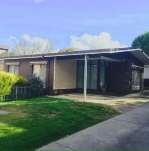Room for rent available 26th Jan- $160 per wk, bills included Quarry Hill Bendigo City Preview