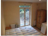 Great Double Semi Studio with access to Garden - W9