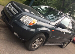 FIRST $6500 TAKES IT!! Fully Loaded Honda Pilot EX-L