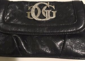 Black Guess Clutch!!