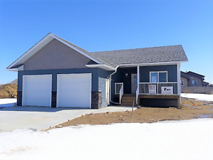 Athabasca - 3 bed / 2 bath NEW HOUSE - FOR RENT