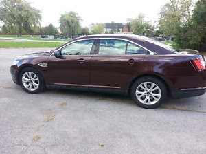 2010 Ford Taurus Sedan low kms great shape hands free calling