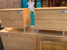 X2 bedside drawers each