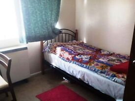 Lovely single room to rent 7 mins walk from Guildford town centre - looking for female roomate!