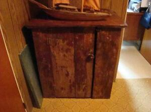 Armoirette antique , armoire ,