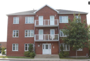 Beautiful Condo near metro Longueuil!!!