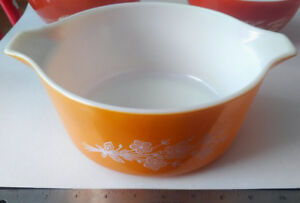 Pyrex #475-B GOLD Cinderella MILK Glass 9 1/2 Inch Bowl 2.5 QT