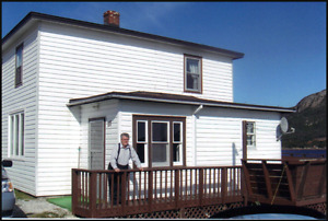 Fully furnished, 3 Bedroom House in Long Harbour $800 Heat Incl