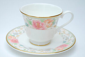 Royal Doulton Fine China Claudia Pattern English Teacup & Saucer
