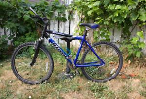 Mountain bike Giant SE Yukon M
