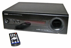 Yamaha SR-300 receiver with integrated sub woofer and sound bar