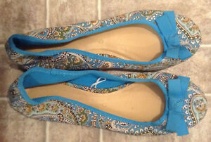 Ladies' Shoes size 9 - like new
