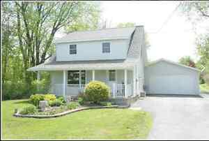 Lovely 3 bed house with large lot for rent utilities included