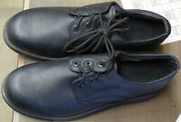 STEEL TOE BLACK LEATHER SHOES SIZE 13