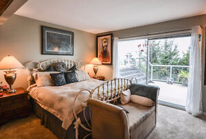 Build Your Ocean-View Dream Home Or Enjoy This Updated Home! Downtown-West End Greater Vancouver Area image 6