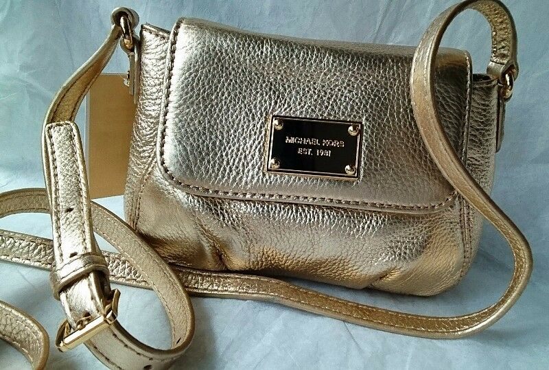 abd9faadf1aa MICHAEL Michael KORS JET SET ITEM SMALL FLAP CROSSBODY PALE GOLD LEATHER BAG