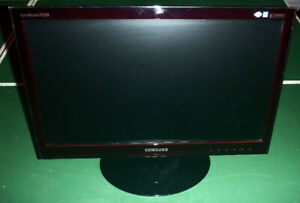 "Samsung 21.5"" Widescreen LCD Monitor - $80"