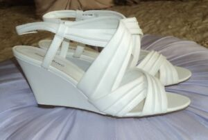 New Women's Dressy White Wedge Sandals Size 9 Sussex
