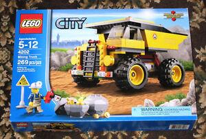 New LEGO CITY Mining Truck Set 4202 (2012) Sealed Retired