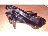NEW; black heels - size 36 (EUR), 4 (UK)