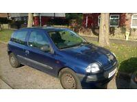 1.1 clio 12 months mot ideal first car
