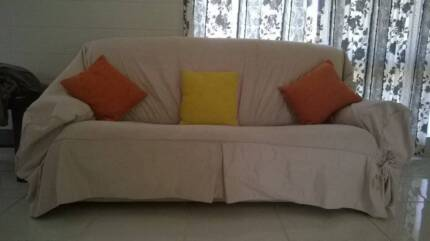 Three piece lounge suite Earlville Cairns City Preview