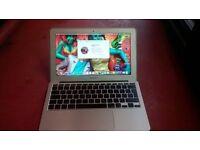"""MacBook Air 11"""" 2010 £250"""