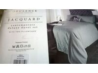 Stunning king size duvet set and co-ordinating bedspread in pale aqua Jacquard / Damask Brand New!