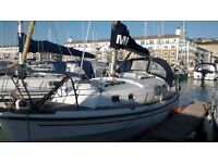 Fantastic comfortable liveaboard/sailing boat for sale - Brighton Marina - great opportunity!