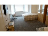 GREAT ROOMS FOR COUPLES WITH SOFA** DESK** WIFI*CLEANER** CHILL HOUSES