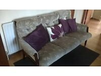 3 seater cottage style sofa very good condition