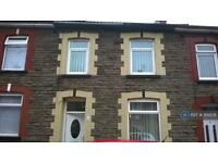 3 bedroom house in Mary Street, Caerphilly, CF83 (3 bed)