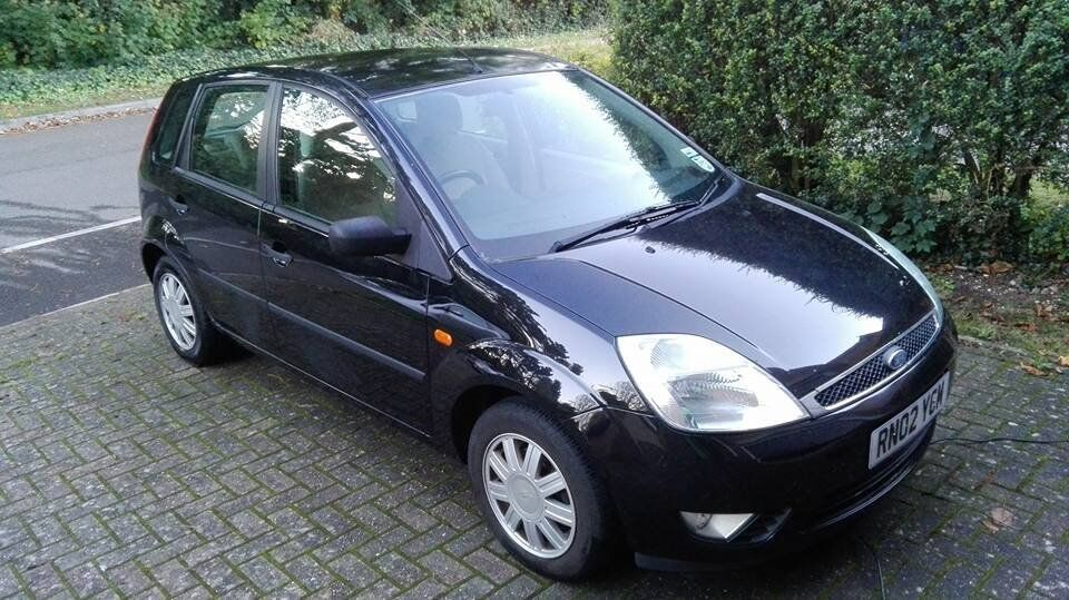 ford fiesta ghia 2002 in winchester hampshire gumtree. Black Bedroom Furniture Sets. Home Design Ideas